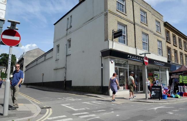 n Plans for 17 flats on East Street were discussed by the town council
