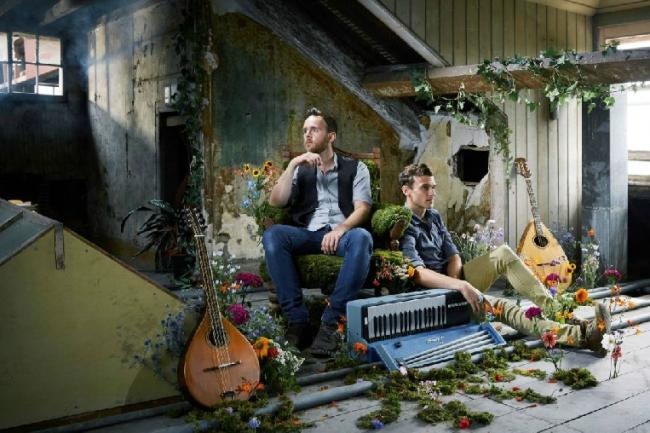 Folk duo Ninebarrow will perform later this month