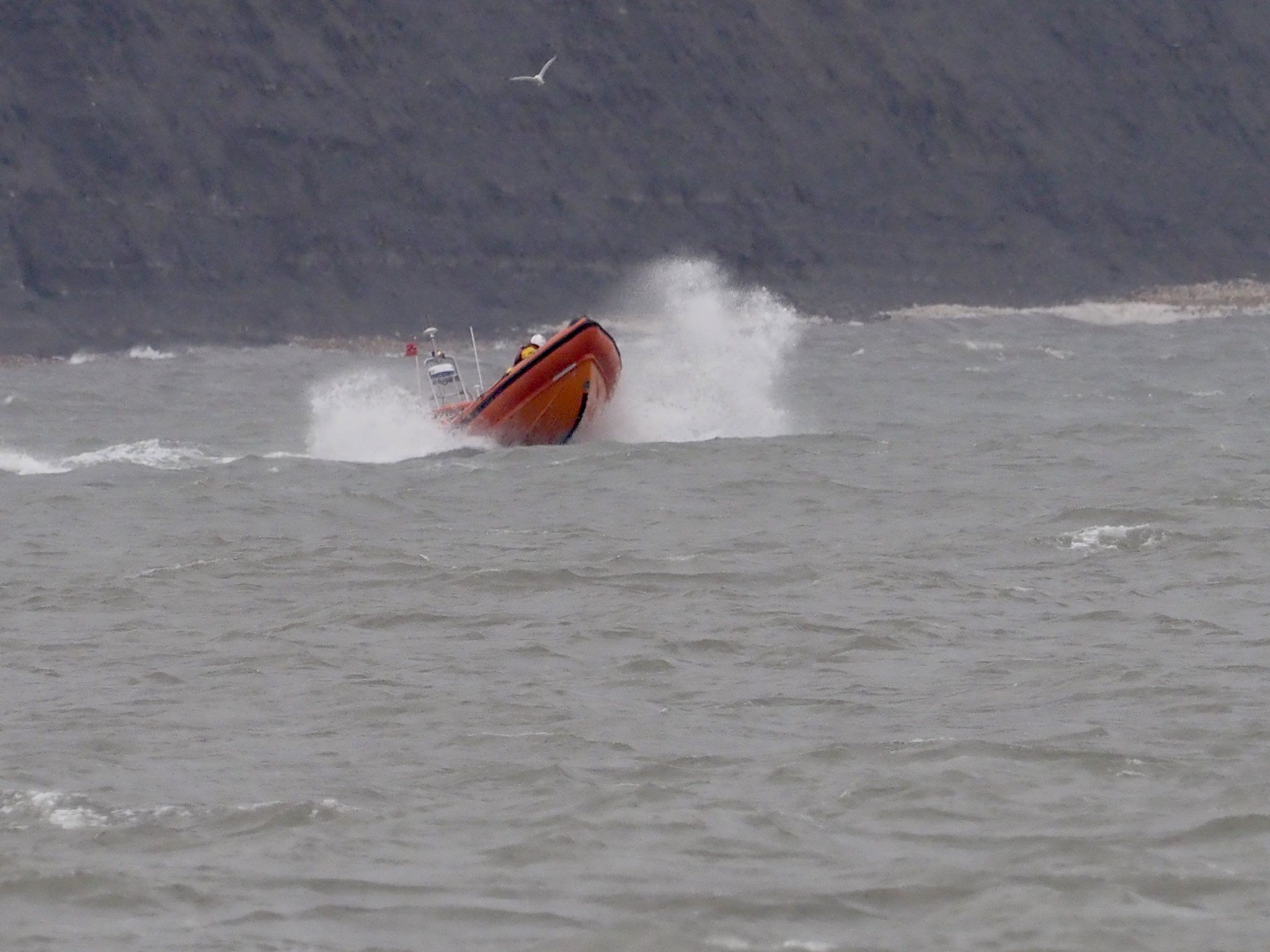 Man feared trapped on coast 'hides' from rescuers