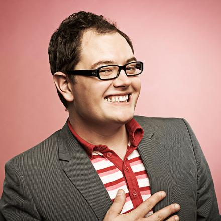 Alan Carr to perform in Bridport