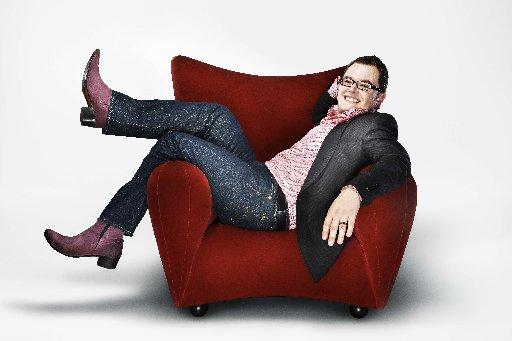 Alan Carr to perform in Lyme Regis