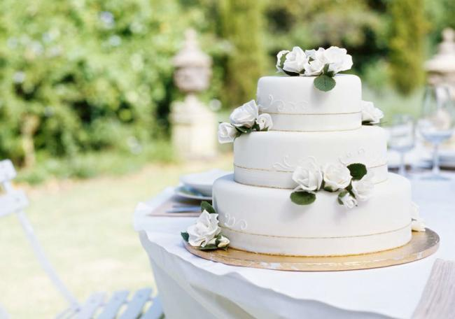 A traditional tiered affair or individual cupcakes - make the cake the centre piece of your reception