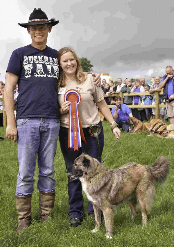 n Last year's champion Whylie with his owner Sarah Singleton and Martin Clunes