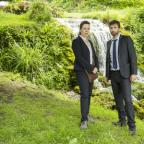 Bridport and Lyme Regis News: .ITV..BROADCHURCH .SERIES 3...Pictured : DAVID TENNANT as DI ALEC HARDY and OLIVIA COLMAN as DS Ellie Miller....This photograph is (C) SISTER PICTURES and can only be reproduced for editorial purposes directly in connection with the programme or event men