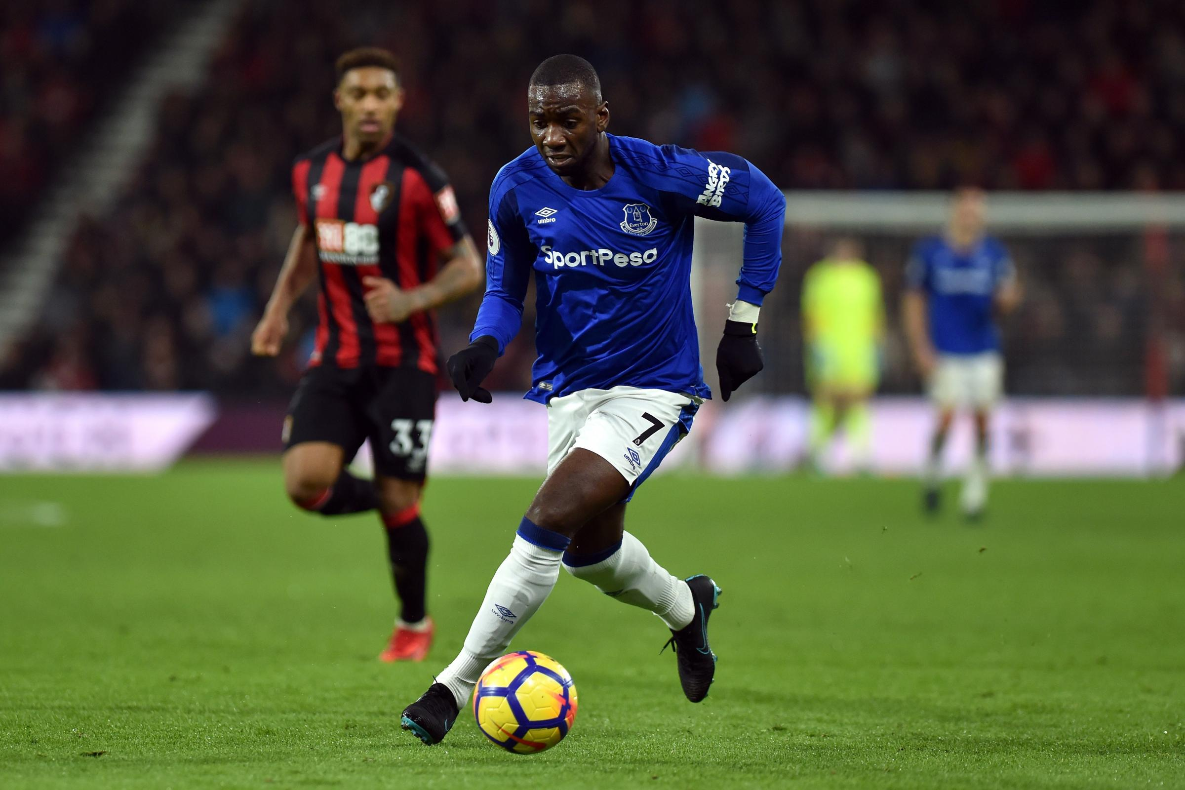 Middlesbrough are in talks with Everton's Yannick Bolasie over a proposed loan deal
