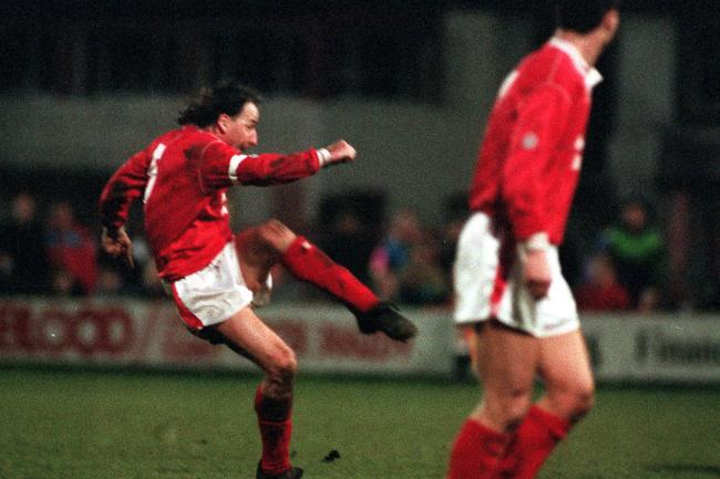 Former Wales star Mickey Thomas has been diagnosed with stomach cancer