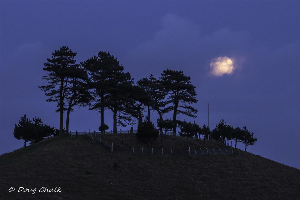 Pictures: Stunning shots of the snow moon in west Dorset
