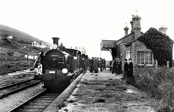 n Explore the history of West Bay railway